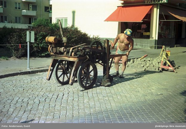 photography-70s-people-huskvarna-evert-andersson-sweden-82-5b7421ada6dfd__700 These 20+ Photos From A Swedish Huskvarna Town In The 70s Prove Things Were Cooler Back Then Design Photography Random