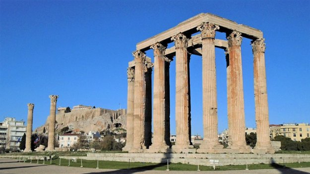 ancient-ruins-mystery-temple-olympian-zeus-athens-5ba38062458b2__700 Guy Notices Something Odd On Top Of Ancient Greek Temple In 1858 Photo, Makes Fascinating Discovery Design Random