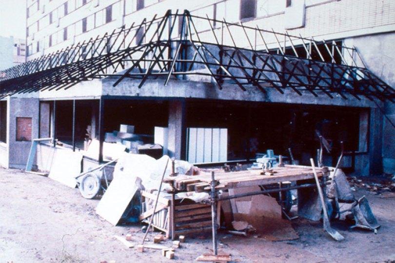 first mcdonald restaurant opens soviet union moscow russia 1900 5b963d6e5c039  700 - O primeiro McDonald's do Comunismo?