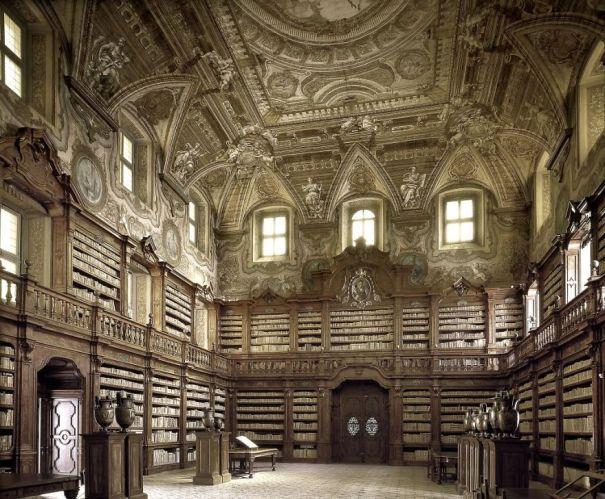 State Library Oratoriana Girolami, Napoli, Italy