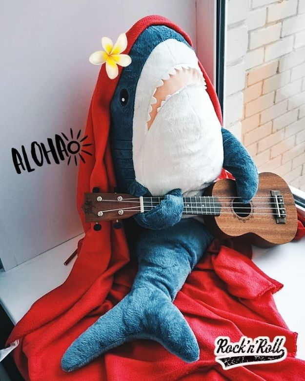 Bn_aGRDBIZk-png__700 IKEA Released An Adorable Plush Shark And People Are Losing Their Minds Over It Design Random