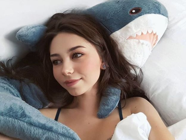 BoQYx13nLAT-png__700 IKEA Released An Adorable Plush Shark And People Are Losing Their Minds Over It Design Random