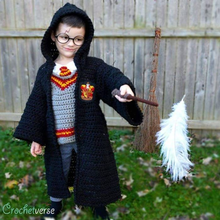 9 Halloween Costumes That I Crocheted For My Kids CrochetverseHarryPotter 5bc88582b2771  700