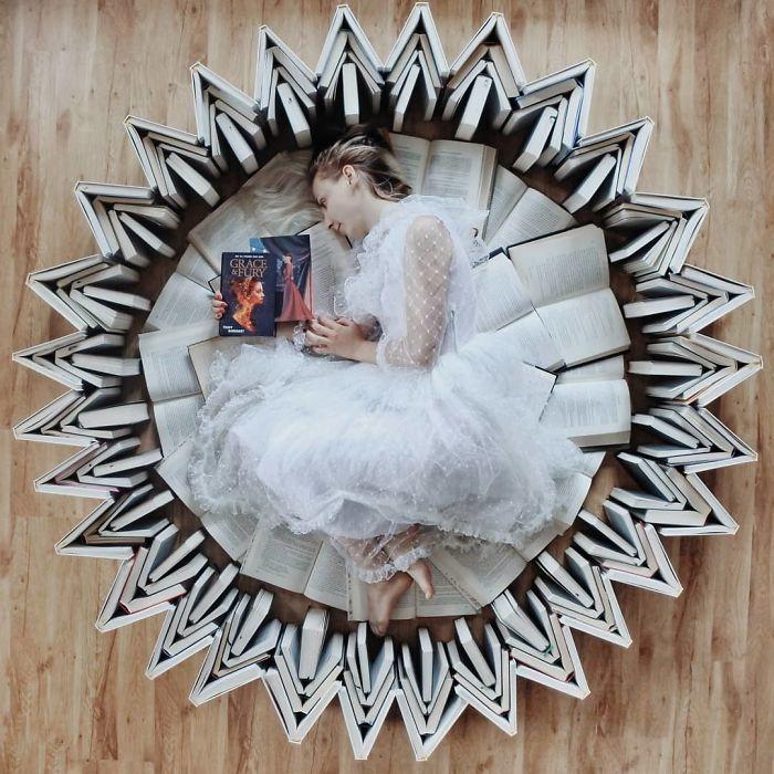 En amor con los libros, esta mujer los usa para hacer verdaderas obras de arte