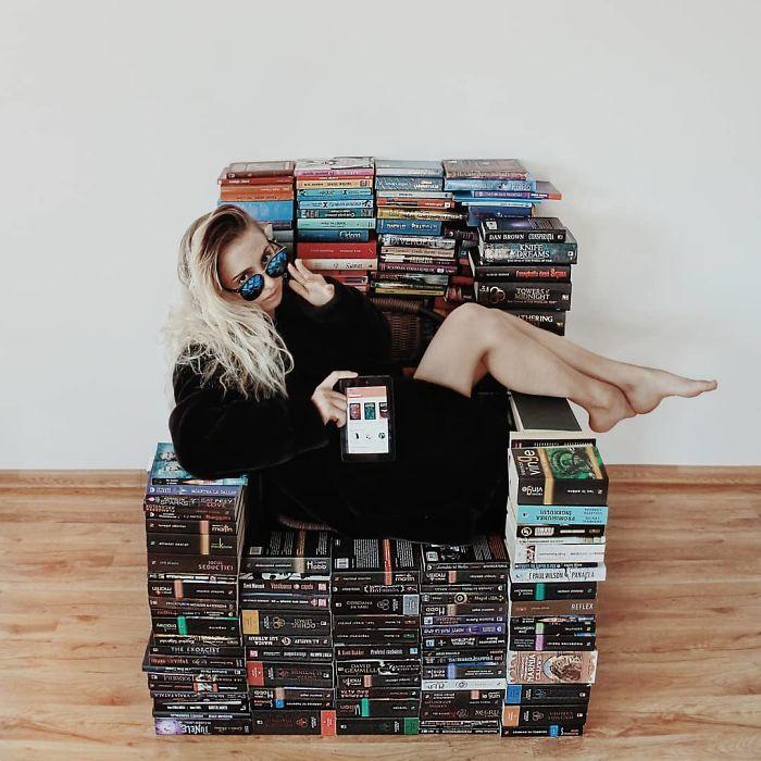 En el amor con los libros, esta mujer los usa para hacer verdaderas obras de arte