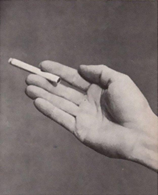 cigarette-psychology-1959-caper-magazine-dr-william-neutra-9-5bee9694d1c69__700 Bizarre 1959 'Cigarette Psychology' Article Explains 9 Ways People Hold Cigarettes And What It Says About You Design Random