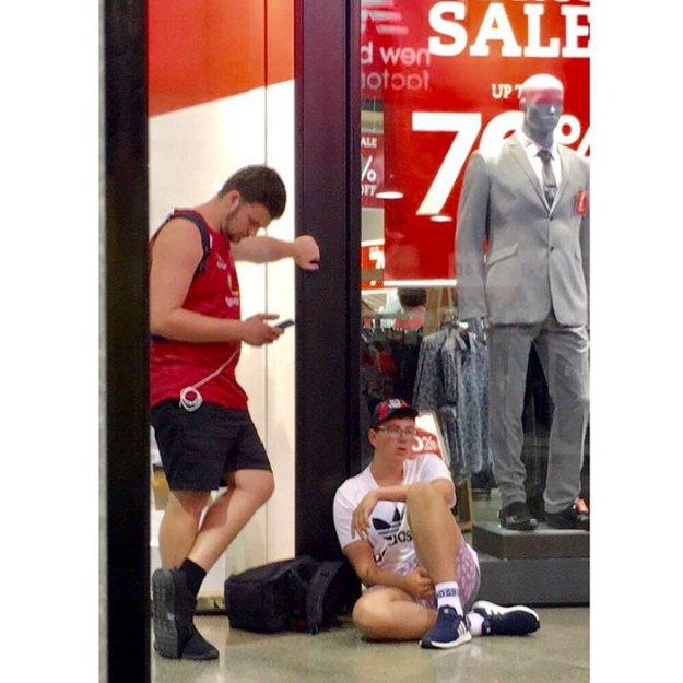 funny-miserable-men-shopping-photos-143-5bff9d080f9ce__700 86 Funny Photos Of Men Shopping With Their Ladies Design Random