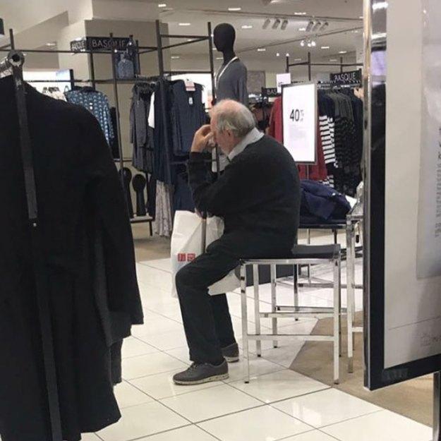 funny-miserable-men-shopping-photos-153-5bff9d1e0700c__700 86 Funny Photos Of Men Shopping With Their Ladies Design Random