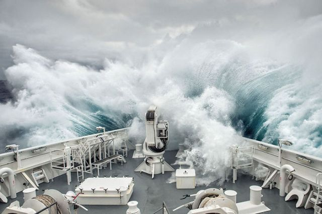 La ola, aguas antárticas (3º en Journeys And Adventures)