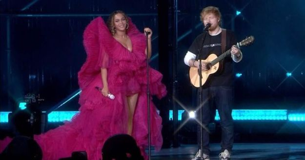 2-5c07c55ccb3a6__700 Woman Calls Out The Way Ed Sheeran Dressed Next To Beyonce, Gets Destroyed On Twitter Design entertainment Random