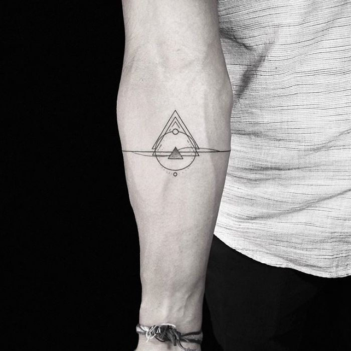 22bca5309 Artist Inspired by Nature and Geometric Shapes Creates Perfect Minimalist  Tattoos