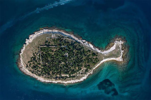 Isla en forma de pez, Croacia, por Milan Photo