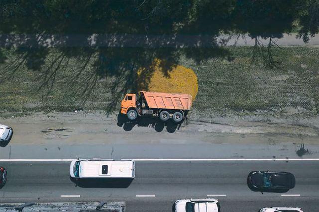 Camión volcado en Rusia, por Drone Nest