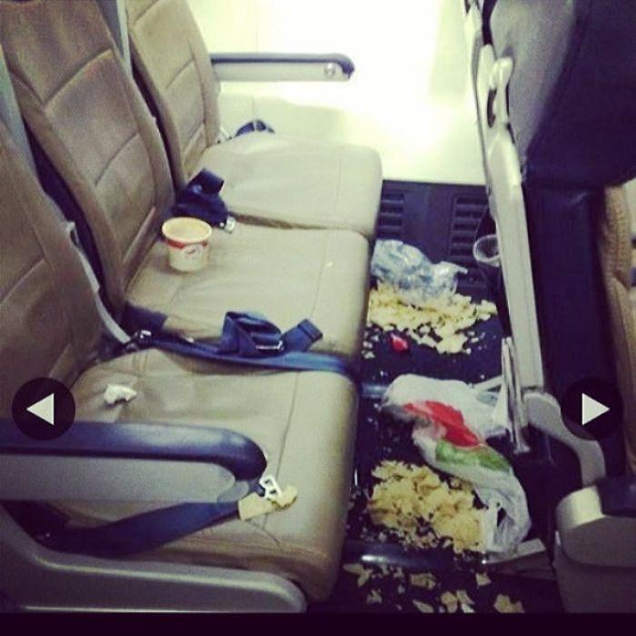Secuelas de dos pasajeros adultos (no 478 niños)