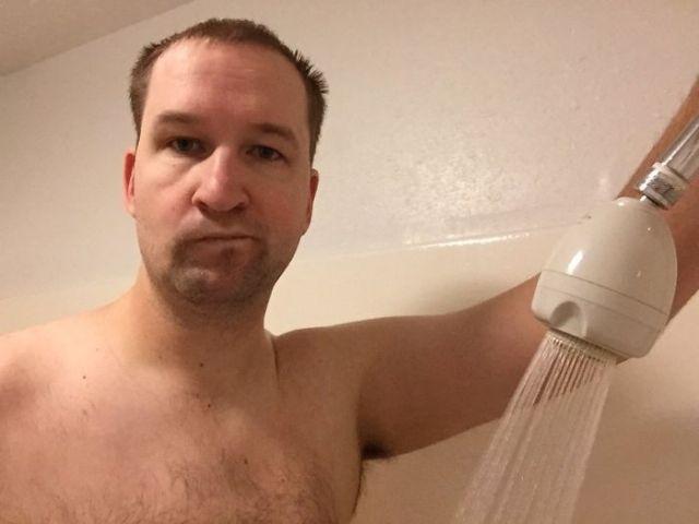 Ningún hostal informa de a qué altura esta la ducha