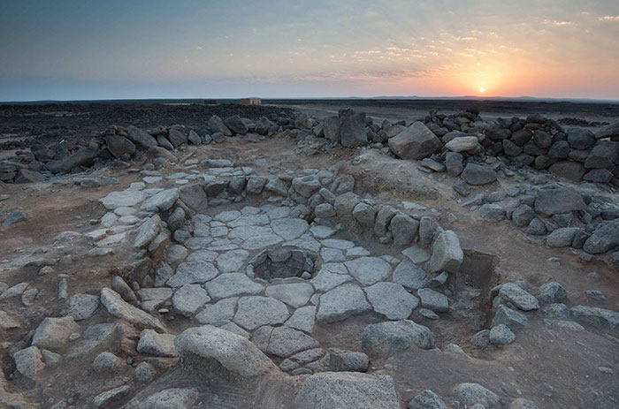 The First Bakers 14,400 Years Ago