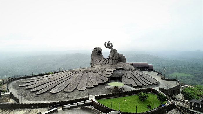 largest bird statue jadayupara jatayu earth centre india 2 5cb990ab9148c  700 - Artista passou 10 Anos criando a escultura de pássaro mais alto do mundo