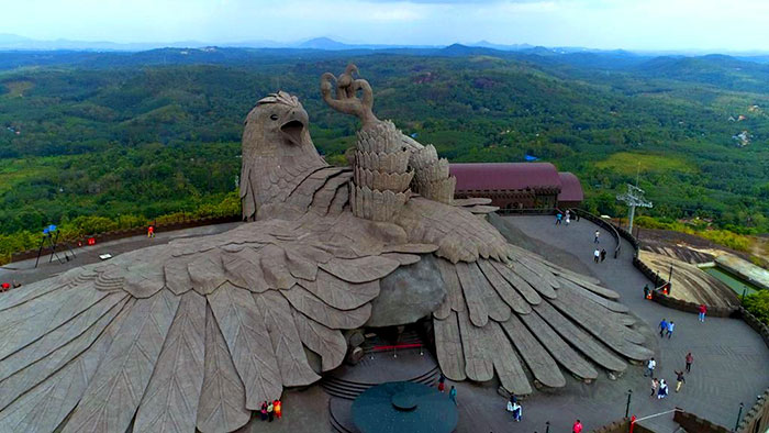 largest bird statue jadayupara jatayu earth centre india 3 5cb990adad5df  700 - Artista passou 10 Anos criando a escultura de pássaro mais alto do mundo