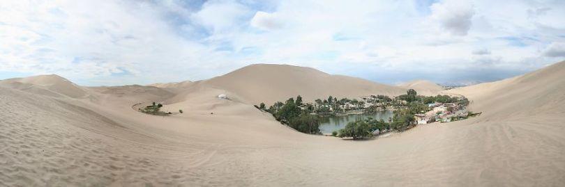 2048px Huacachina Dunes 5d0278a7c799a  880 - Um oásis no deserto do Peru parece miragem