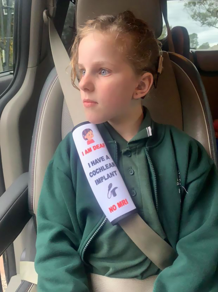 Mother Creates Seat Belt Covers That Would Warn Emergency Workers About Children's Health Issues 2