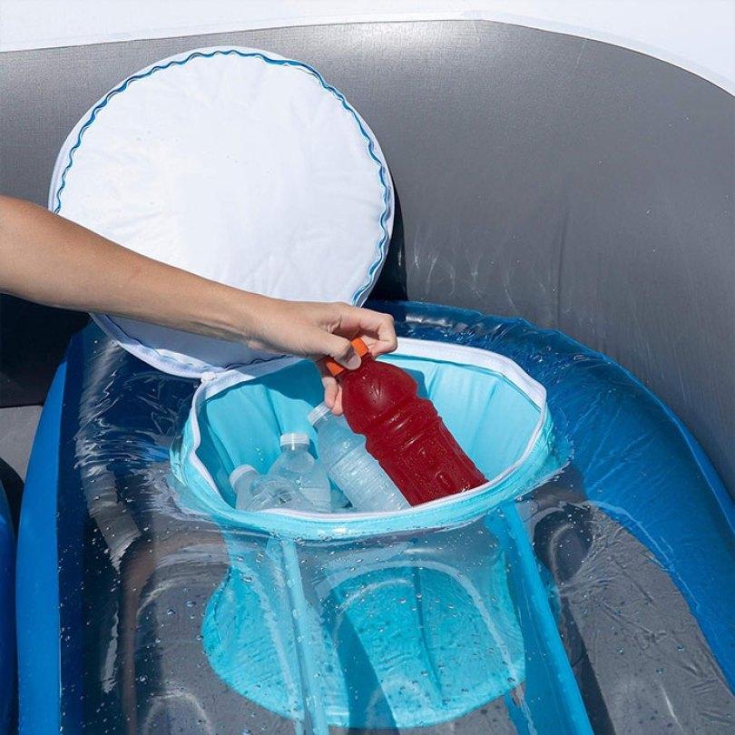 inflatable speedboat life size amazon 4 5d0346a3b7a06  700 - Lancha inflável faz você se sentir um milionário