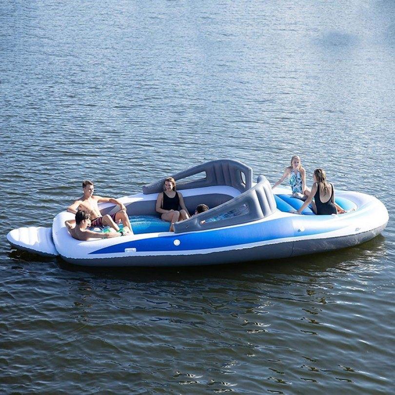 inflatable speedboat life size amazon 5 5d0346a5b452f  700 - Lancha inflável faz você se sentir um milionário