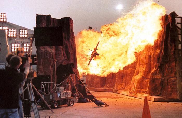 behind the scenes of hollywood movies 12 5d1b53430fb33  700 - Fotos tiradas dos bastidores de alguns filmes