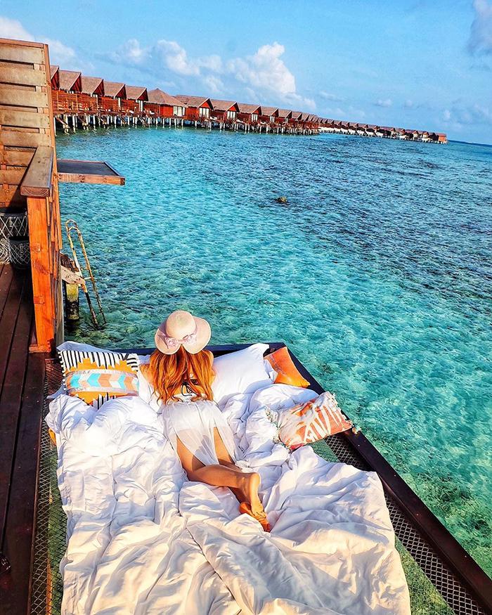 maldives hotel net over water grand park kodhipparu 5d2c37de6c607  700 - Dormir sob as estrelas e sobre o Oceano em uma rede