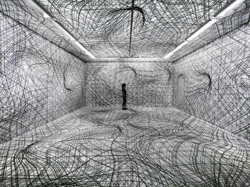 Peter Kogler 2014 Taxisplais 5d494e9f84534  880 - Mestre de instalação de arte e ilusões cria quartos hipnóticos