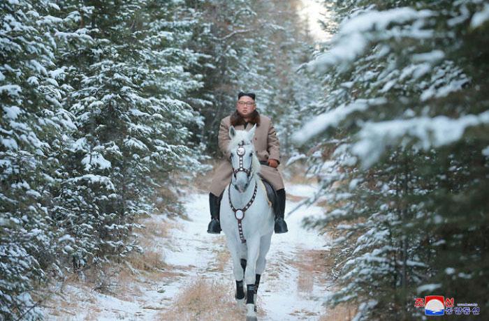 kim jong un 49 - Kim Jon-un e Vladmir Putin andaram juntos a cavalo?