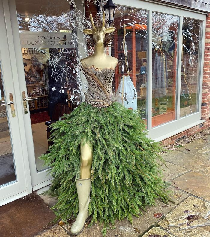 Clothes Shop's Christmas Tree