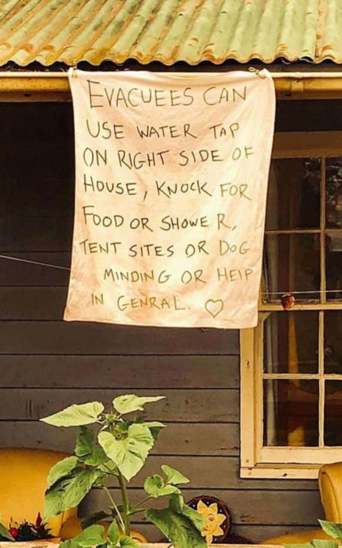 Neighbours Helping Out Strangers During The Australian Bushfires. Everything Helps And It All Adds Up!