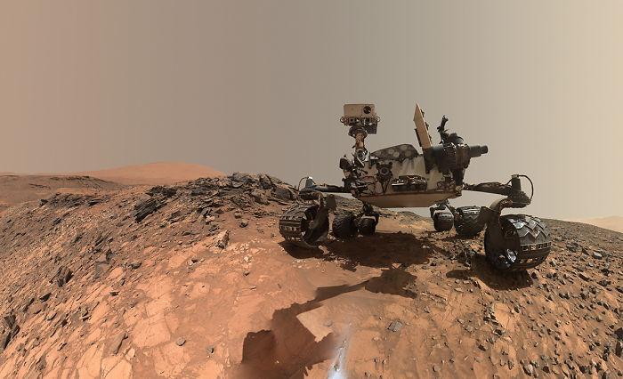 Mars Rover Curiosity In 'Buckskin' Selfie