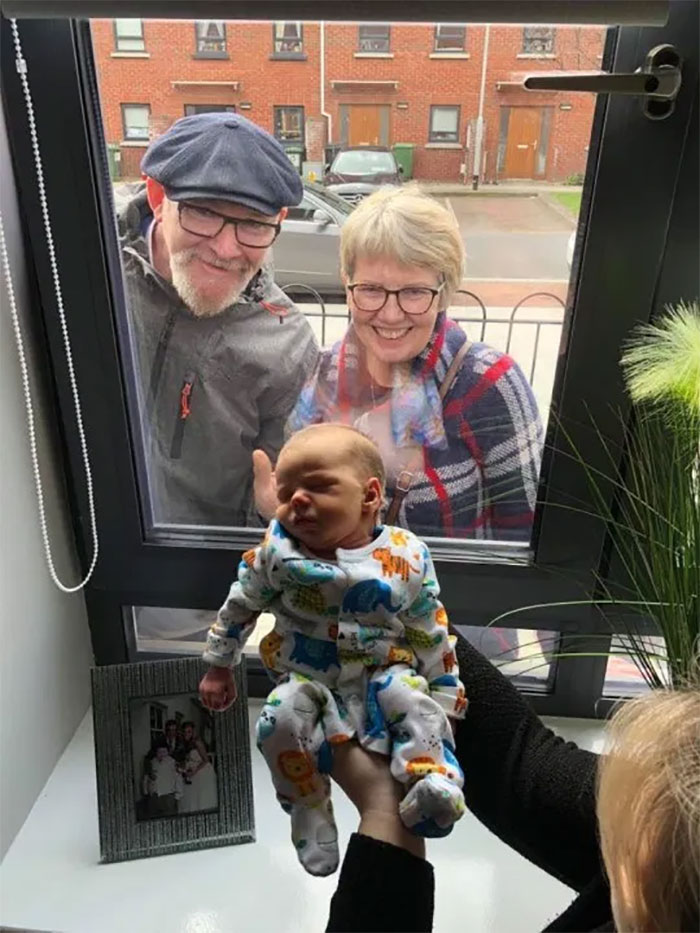 Baby Ollie Met His Grandparents For The First Time