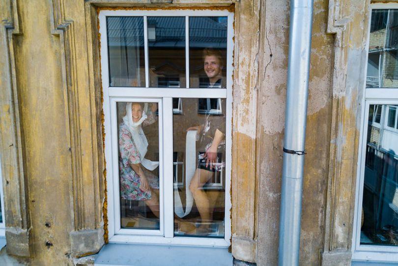 tasfotografaslt012 5e78f49427fc3  880 - Fotógrafo da Lituânia consegue trazer diversão durante a Quarentena