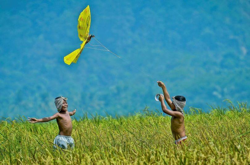 Bermain layangan by erwinsaleh Indonesia 5e8f3c9526d5f  880 - As 50 fotos profissionais mais alegres de 2020!