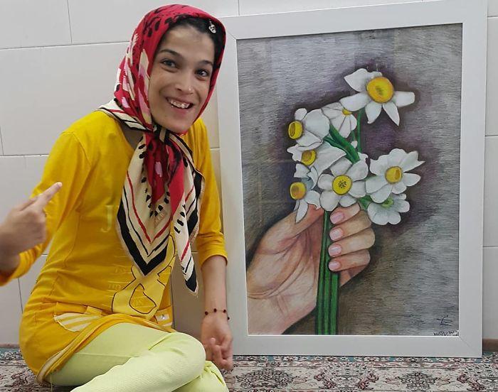 Iranian artist is thrilling the world by painting portraits with his feet 5ea6fb58dfabf  700 - Você não vai acreditar! Artista desafia a deficiência desenhando com o pé