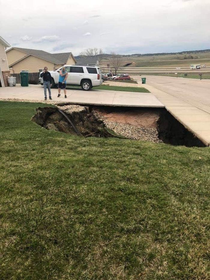 Residential Homes Built In South Dakota Over Undisclosed Abandoned Gypsum Mine... Sinkhole Renders Entire Neighborhood's Property Values Now Worthless.