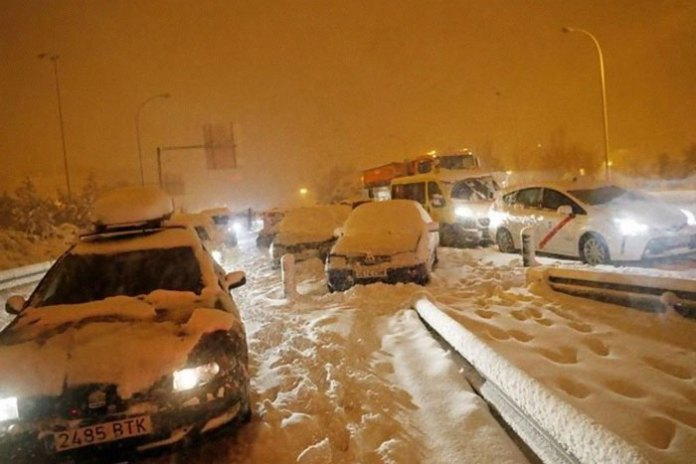 The Aftermath: Largest Snowfall In The Past 50 Years In Madrid, Spain - 406 Roads Cut