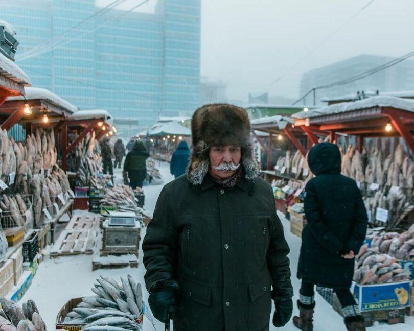 Photographer Alexey Vasiliev shows the daily life of Russias coldest region 6037551320819  880 - Qual a menor temperatura já registrada na Terra?