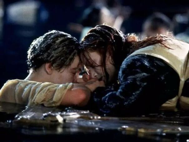 Why Didn't Jack And Rose Just Share The Big Door In Titanic (1997) When They Could've Both Fit?