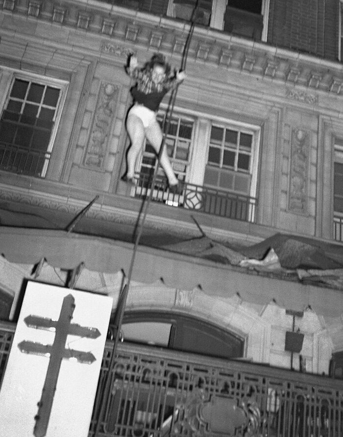 """1947 """"Death Leap From Blazing Hotel"""""""
