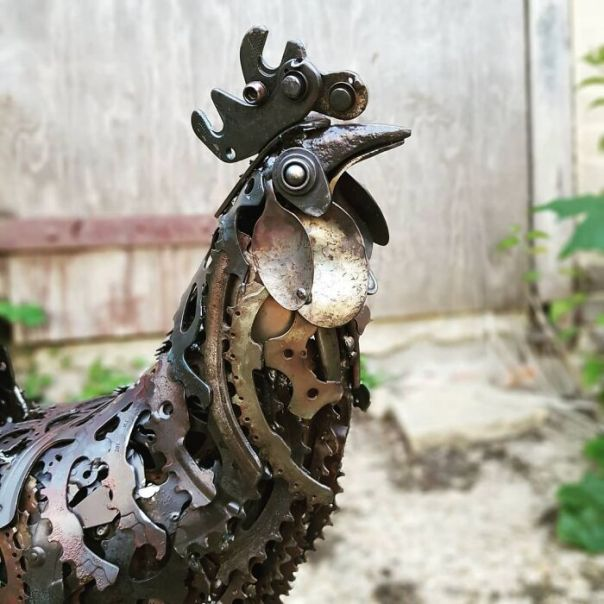 Artist Finds In The Trash His Inspiration For Making Amazing Sculptures