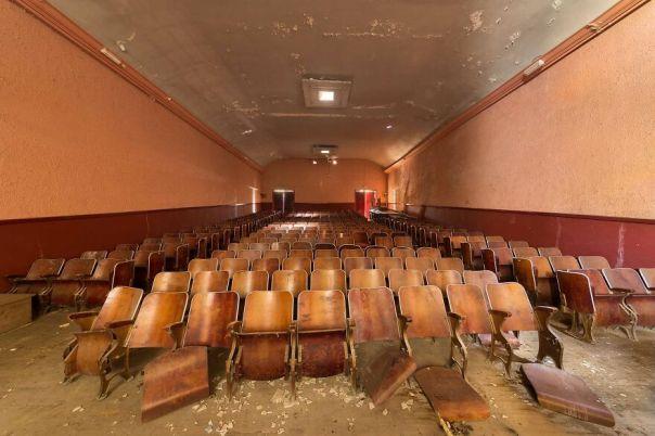 Mercuro Theater, France