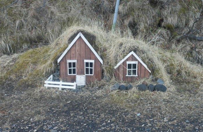 54 процента исландского народа верят, что эльфы существуют, и в Рейкьявике есть даже школа эльфов