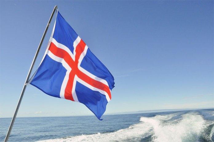 Цвета флага Исландии символизируют три элемента ландшафта страны