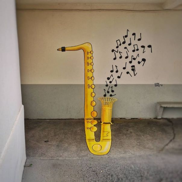 """""""Le Saxophone"""" école Des Frères Chappe #anamorphose #oakoak #music #saxophone #streetart #urban #urbanintervention #art #saintetienne #fun #mtn94 #montanacolors #graff #yellow #musique"""