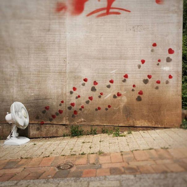 Tooo Hottt..... #oakoak #heart #hot #coeur #streetart #urban #canicule #chaud #streetart #urbanart #oaky #graffityart