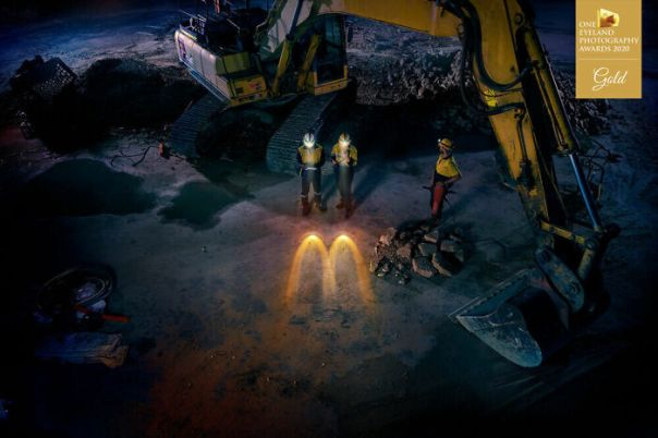 Mac Your Night – Construction. Gold In Advertising