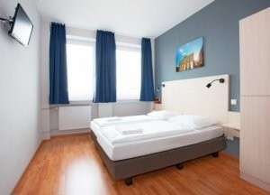 Hotels in Berlin  hostels  B B and apartments   budgetplaces com Breakfast available